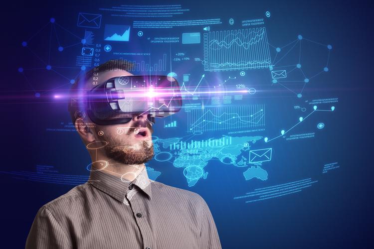 Svet-oglasevanja-2018-Digitalne-taktike-in-orodja-ki-jih-morate-poznati-iPROM-Mnenja-strokovnjakov-Leon-Brencic-Vzpon-video-formatov-AR-in-VR