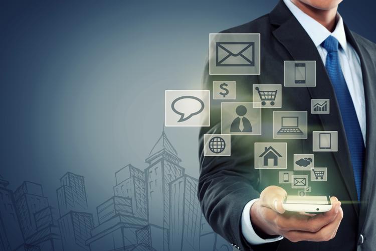 Digitalna komponenta potrošniške izkušnje - iPROM - Mnenja strokovnjakov - Leon Brenčič