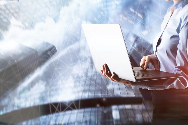 Povzetek ključnih smernic digitalne preobrazbe finančnega sektorja - iPROM - Mnenja strokovnjakov - Uroš Končar