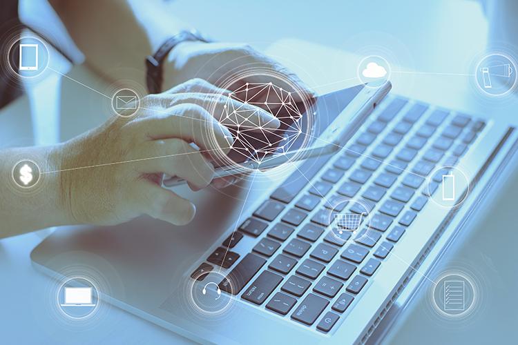 Vsepovezan potrošnik je digitalen - iPROM - Mnenja strokovnjakov - Uroš Končar
