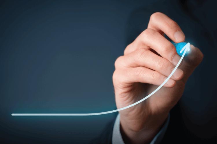 Neustavljiva rast do ma n v Evropi - iPROM - Mnenja strokovnjakov - Andrej Ivanec