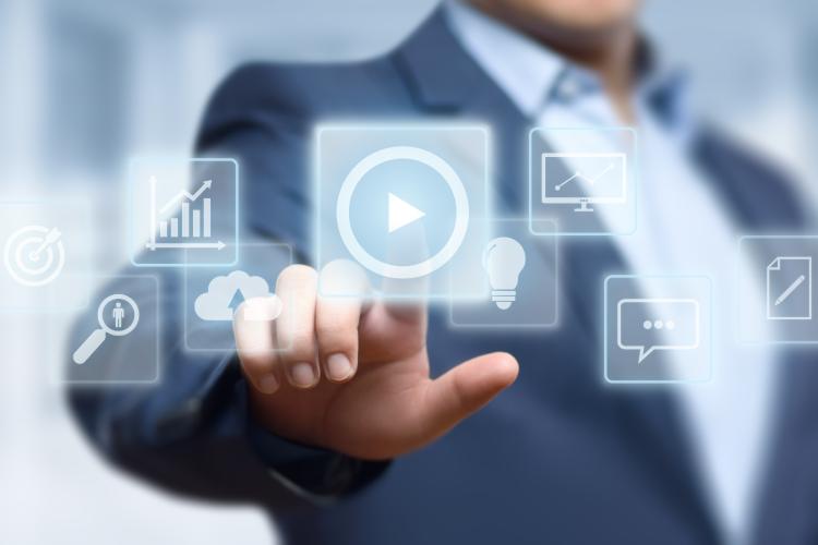Prikazno video oglaševanje za poglobljen odnos z blagovno znamko - iPROM - Mnenja strokovnjakov - Andrej Ivanec
