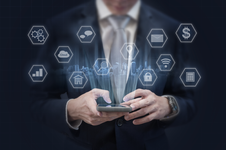 Rast prikaznega oglaševanja na mobilnih napravah in v mobilnih aplikacijah za večji doseg - iPROM - Mnenja strokovnjakov - Andrej Ivanec