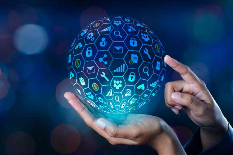 Tehnologija pomaga graditi odnose s potrošniki - iPROM - Mnenja strokovnjakov - Nejc Lepen