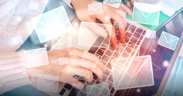 Zakaj je v času omejevanja družbenih stikov e-poštni marketing spet vroč? - iPROM - Mnenja strokovnjakov - Miha Rejc